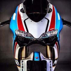 Ducati Pantah, Ducati 748, Ducati Superbike, Ducati Motorcycles, Vintage Motorcycles, Yamaha, Custom Metal Fabrication, Bike Engine, Martini Racing