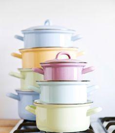 pastel cooking pots