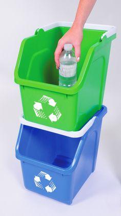 Contenedores de reciclaje apilables verticalmente, súper prácticos para separar los residuos en el hogar. Compost, Chile, Recycling Bins, Remainders, Pull Apart, Butler Pantry, Chili, Composters