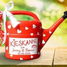 "Money gifts - money gift ""Kieskanne"" for wedding - in red - a designer piece . - Money gifts – Money gift ""Kieskanne"" for the wedding – in red – a designer piece by inspierin - Diy Presents, Diy Gifts, Handmade Gifts, Don D'argent, Diy Y Manualidades, Gift Table, Little Gifts, Wedding Gifts, Pom Poms"