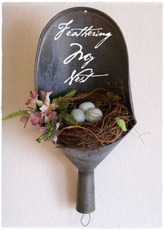 Flowers Spring Arrangements Bird Nests 33 Super Ideas - things I like - taktak decor Craft Projects, Projects To Try, Vintage Easter, Spring Crafts, Yard Art, Easter Crafts, Diy Crafts, Recycled Crafts, Garden Junk