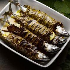 Date-stuffed whole mackerel / Yottam Ottolenghi Endive Recipes, Fish Recipes, Seafood Recipes, Cooking Recipes, Surimi Recipes, Primal Recipes, Healthy Recipes, Fish Dishes, Seafood Dishes