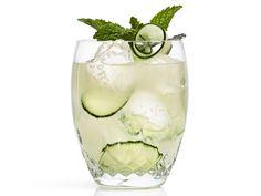 17 Garden-Fresh Summer Cocktails Worth Sipping --> http://www.hgtvgardens.com/photos/summer-cocktails?soc=pinterest