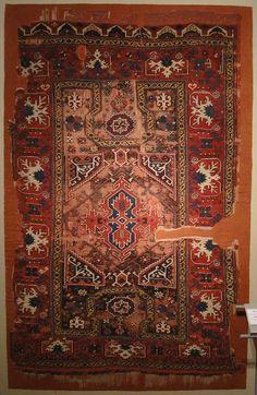 OTTOMAN CARPETS IN THE XVI - XVII CENTURIES (16-17TH CENTURIES) XVII century Bellini style Ottoman prayer rug. Turk ve Islam Eserleri Muzesi, Istanbul
