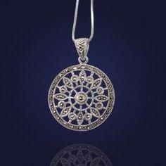 """Biżuteria srebrna: Wisior  z markazytami """"Słoneczko""""."""