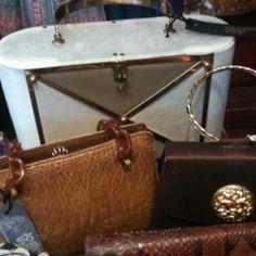 Oh how I love a Vintage handbag!