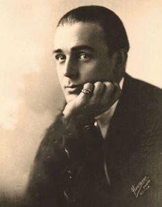 Wallace Reid by Hartsook c. 1912