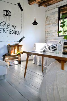 """Mikä ihana urbaani """"kesämökki"""" kodin vintillä. // What a lovely urban """"summercottage"""" in the attic. #oikotieasunnot Decor, Living Room, Furniture, Room, Industrial Style, Cottage Inspiration, Home Decor, Scandinavian Design, Ping Pong Table"""