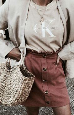 calvin klein jeans tee + button skirt + straw tote bag + gold layered necklaces + nude blazer | #ootd #outfitideas