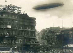 Cafe Josty: Standort: 1880 bis 1930 am Potsdamer Platz; Das Cafe Josty schloss bereits 1930. In den Bombennächten stürzte das Gebäude komplett ein und wurde 1947 planiert.