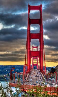 Golden Gate Bridge, San Francisco - What do 25 minutes and miles have in common? You will reach both statistics once you have taken the time to walk across San Francisco's iconic Golden Gate Bridge. Places Around The World, Travel Around The World, Around The Worlds, Golden Gate Bridge, Places To Travel, Places To See, Camping Places, Puente Golden Gate, Magic Places
