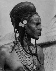 Africa | Fulani woman, Niger. ca. 1950 || Scanned vintage print.