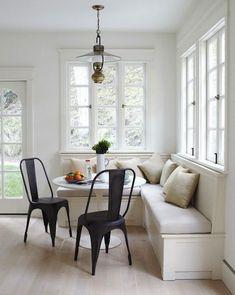 Cottage style contemporary kitchen banquette - Simo Design via Atticmag