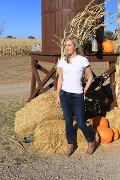 back to basics fall outfit white t-shirt skinny jeans booties