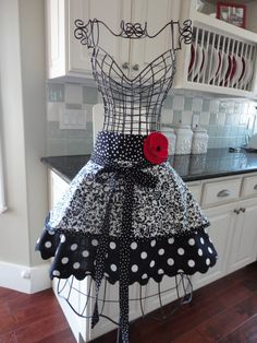 """Annabelle"" half apron in black and white with rose decor on waistband"