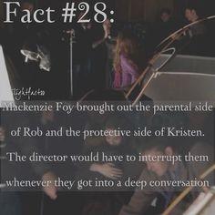 "62 Synes godt om, 1 kommentarer – Twilight Facts (@twilightfactss) på Instagram: ""~ The background is Kristen hugging Mackenzie. I kinda want them to work together again tbh.…"""