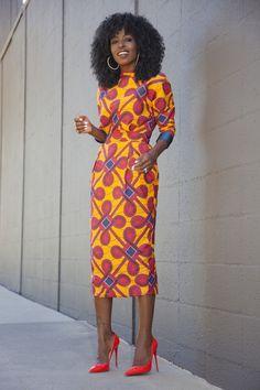 Vous souvenez-vous de cette robe fourreau Stella Jean avec laquelle nous vous proposions une idée de look récemment ? Et bien, voici une look de Folake de Style Pantry avec la dite-robe ! Tout simplement class !