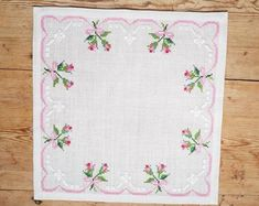 Lovely floral/roses cross stitch embroidered tablecloth in white linen from Sweden - Point de croix Cross Stitch Borders, Cross Stitch Rose, Cross Stitch Flowers, Cross Stitch Charts, Cross Stitch Designs, Cross Stitching, Cross Stitch Patterns, Crochet Patterns, Hand Embroidery Stitches
