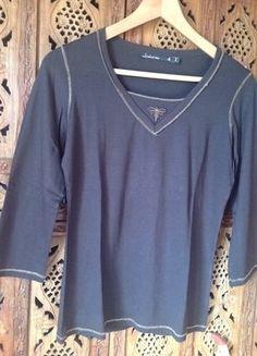 À vendre sur #vintedfrance ! http://www.vinted.fr/mode-femmes/hauts-and-t-shirts-t-shirts/25705379-top-la-mode-est-a-vous
