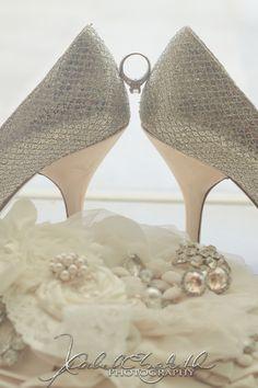 """The """"something's"""" shot   Rachel Elizabeth Phoyography Wedding Poses, Wedding Couples, Wedding Portraits, Wedding Ceremony, Wedding Ideas, Photography Ideas, Wedding Photography, Disney Inspired Wedding, Photo Time"""