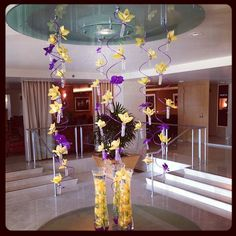 L'Ermitage Hotel Beverly Hills customized their lobby display in #Lakers purple and gold, in honor of loyal guest #DwightHoward on the final day of his extended stay!  http://celebhotspots.com/hotspot/?hotspotid=25213&next=1