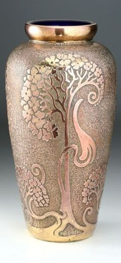 Art Nouveau glass vase, ca.1910 Val  St. Saint Lambert......* gasps* OMG! Beautifulest and love the color!