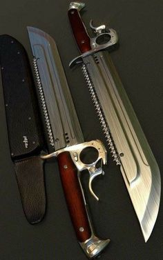 Kettensäge-Bowie-Messer – Men's Corner – Join the world of pin Zombie Weapons, Ninja Weapons, Anime Weapons, Sci Fi Weapons, Weapon Concept Art, Fantasy Weapons, Weapons Guns, Guns And Ammo, Pretty Knives