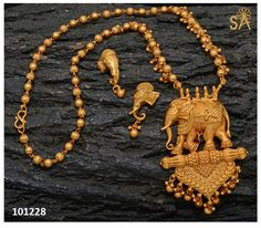 Elephant set from Pothys India Jewelry, Temple Jewellery, Indian Wedding Jewelry, Bridal Jewelry, Gold Jewellery Design, Jewelry Patterns, Antique Jewelry, Jewelry Collection, Jewelery