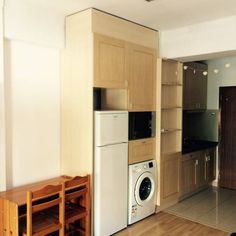 Apartamento Coimbra Coimbra Set in Coimbra, Apartamento Coimbra offers self-catering accommodation with free WiFi. The apartment is 300 metres from University of Coimbra.  The kitchenette features a microwave and a fridge. A TV is available.  S.