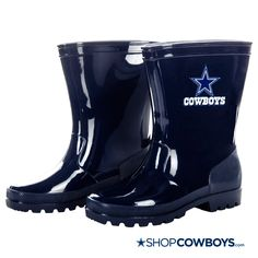 Kids won't mind if it's raining when they get to wear these fun Dallas Cowboys Kids Rain Boots.