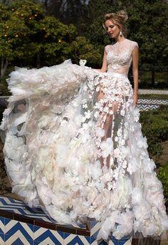 Прозора весільна сукня – новий тренд