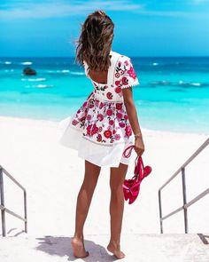 "17.9k Likes, 267 Comments - Annabelle Fleur (@vivaluxuryblog) on Instagram: ""This view... #neverleaving #love #bermuda / @katespadeny dress & @olganaparis sandals"""