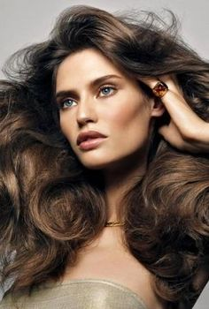 Bianca Balti ♥ love the hair and makeup
