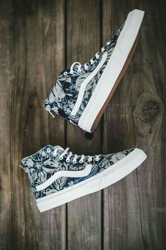 Shoes- Vans-Say aloha to the Indigo Tropical Slim Zip. Sock Shoes, Vans Shoes, Cute Shoes, Me Too Shoes, Shoe Boots, Shoes Heels, Shoes Sneakers, Sneakers Adidas, Girls Shoes