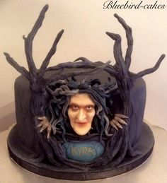 I was sooo excited to do this cake ! I love anything fantasy and after days of making tiles for a Minecraft cake ,this was a welcome break . It was the first time that I have used modelling chocolate to sculpt faces and I really liked the outcome. Bolo Halloween, Halloween Torte, Halloween Desserts, Halloween 2019, Halloween Stuff, Wood Cake, Fancy Cakes, Cute Cakes, Fondant Cakes