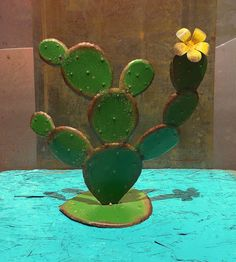 Decoration Cactus, Cactus Craft, Glass Cactus, Cactus Cactus, Painted Rock Cactus, Cactus House Plants, Fused Glass Art, Stained Glass, Metal Art Projects