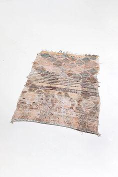 vintage moroccan rug with diamond patterns - beige tassel area carpet Moroccan Floor Pillows, Moroccan Decor, Moroccan Rugs, Bohemian Room Decor, Boho Trends, Tribal Patterns, Nursery Room Decor, Geometric Designs, Diamond Pattern