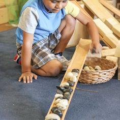 Instead of cars and ramps, try Loose Parts! Montessori Homeschool, Montessori Activities, Block Play, Montessori Materials, Preschool Lessons, Play To Learn, Reggio, Summer Art, Free Ebooks