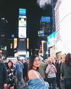 "Gabbi Garcia (@_gabbigarcia) on Instagram: ""Times Square, NYC"" Gabbi Garcia Instagram, Ricci Rivero, Highline Park, Visual Resume, Filipino Girl, Filipina Beauty, Ulzzang Girl, Photography Poses, Pretty Girls"