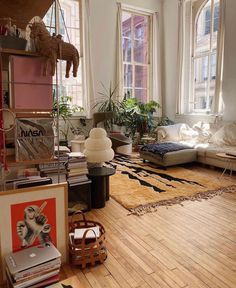 Many people believe that there is a magical formula for home decoration. You do things… Living Room Decor, Living Spaces, Bedroom Decor, Baby Bedroom, Indie Living Room, Wall Decor, Dream Home Design, Home Interior Design, My New Room