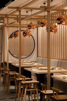 HK 晓宇火锅店 on Behance Restaurant Zen, Japanese Restaurant Interior, Oriental Restaurant, Japanese Interior Design, Restaurant Interior Design, Chinese Restaurant, Modern Chinese Interior, Restaurant Lighting, Lokal