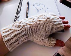 Ravelry: Three of Hearts pattern by Artesanitarium Designs Crochet Mittens, Crochet Pillow, Crochet Beanie, Crochet Baby, Knit Crochet, Knitting Patterns Free, Free Knitting, Knitting Projects, Crochet Projects