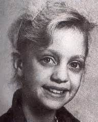 Goldie Hawn childhood photo Celebrities Then And Now, Famous Celebrities, Famous Women, Celebs, Iconic Women, Young Ones, Young People, Star Children, Famous Stars