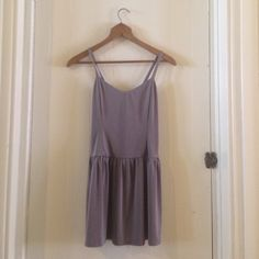 Short silver gray dress NWOT fun dress that's super comfortable and easy to wear  Forever 21 Dresses