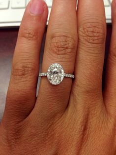 Never even considered an oval diamond but this is absolutely gorgeous... I can totally imagine wearing this beautiful ring!