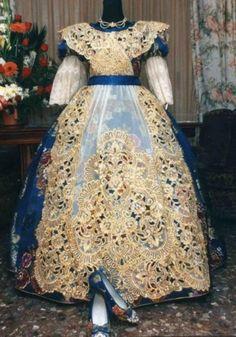 Traje de Fallera Valenciana - Valencian Fallera costume