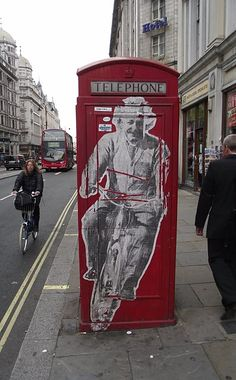 Einstein Phone Box
