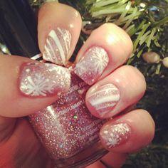 Christmas nails<3