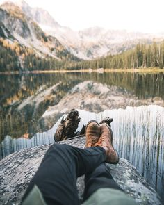 Camping is a wonderful and exciting way to spend your vacation. Look at this article to have a great camping adventure. They will offer great advice you can put to good use on your outdoor adventure! Wanderlust, Nature Photography, Travel Photography, Mountain Photography, Photography Ideas, Nature Sauvage, Lost In The Woods, Kayak, Shooting Photo