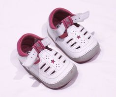CLARKS FIRST CRIB BABY GIRLS WHITE PINK LEATHER SHOES SIZE US 2 $60+ EXCELLENT #Clarks